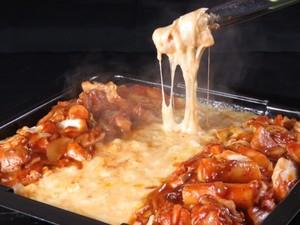 素材の旨味をシンプルに味わえる 『小倉軍鶏炭焼き』
