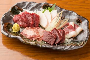熊本の人も思わずうなる美味しさの一皿です『五点盛り(ヒレ・たてがみ・二重子・ハツ・タン)』