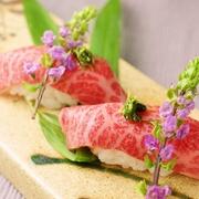 極上のとろけるようなお肉をお寿司で。  【価格】480円
