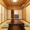 爽やかに畳が香る和室の空間で、ゆったり食事も楽しめます
