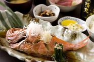 脂のり抜群のふっくらした身を味わえる『金目鯛煮付け定食』