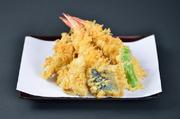 旬の食材、イカのかき揚げ、海老二本、野菜三種
