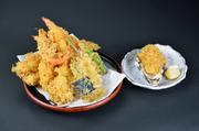穴子、旬の食材、海老三本、野菜四種