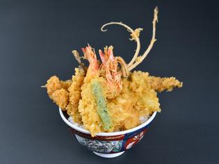 旬の食材が集結した究極のこだわり天丼『五代目天丼』