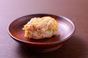 北海道の毛ガニを、みそで和えた人気の『毛ガニみそ和え』。食べた瞬間、極上毛ガニの風味が広がります。