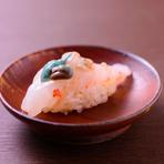 『ぼたん海老』はプリプリの食感と、トロっととろけるような濃厚なあまみが魅力です。
