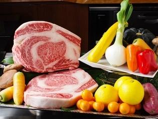宮崎牛をはじめ、野菜、鮮魚など宮崎の食材にこだわり仕入れ
