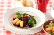 深いコク『国産和牛のビーフシチュー ~季節の野菜を添えて~』