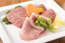 その日に入荷した贅沢な味わいを堪能できる一皿『おまかせ盛皿』