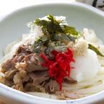 甘辛く煮た国産牛肉がおいしい『肉おろししょうゆうどん』