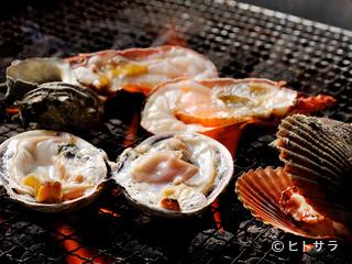 鳥羽浦村カキ 海鮮料理 かき小屋さとやの料理・店内の画像1