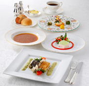 選べるメインディッシュ  ※メイン料理は、ご予約時にお肉かお魚をお申し付けください。  ■オードブル ■スープ ■お魚料理 又は お肉料理