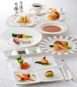 おいしいものを少しずつ、見た目にも楽しい懐石スタイル  ■オードブル ■スープ ■お魚料理 ■お肉料理