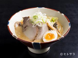 函館麺厨房あじさい 本店の料理・店内の画像1