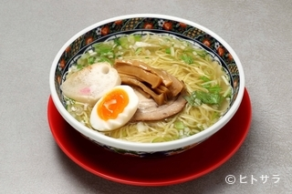 函館麺厨房あじさい 紅(くれない)店(ラーメン)の画像