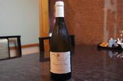 品種(ルサーヌ55%・ヴィオニエ45%)◆ミネラルの背骨がビシッと入った筋肉質で重厚な白ワインです。
