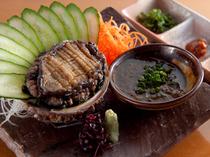 寿司の他にも逸品料理がずらり。好みに合わせて選べます