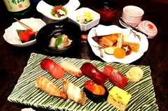 こちらのコースは、お寿司をメインとしたコース料理となっております。5000円~承ります。