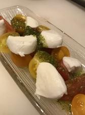 牡蠣の冷製オイル漬け ガーリックトースト添え