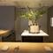 カップル向けの2人掛けテーブルは、記念日デートにおすすめ