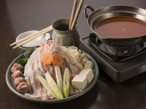 秘伝スープと具材の旨みがしみこんだ絶品『慶州鍋』(2人前)