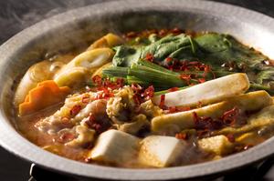秘伝の味噌と極薄豚バラ肉の旨みが美味『慶州鍋』(二人前)