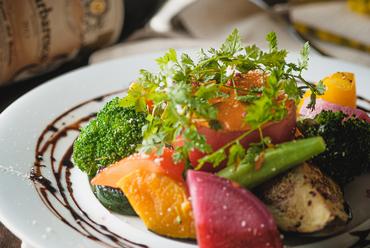 オマールエビ風味の濃厚トマトチーズフォンデュ~旬彩の温野菜~