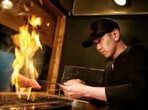 料理人の技が光る、炭火焼の数々。素材の旨みを満喫できます