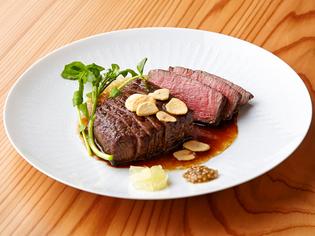 上質なお肉のおいしさを堪能できる『特選黒毛和牛ヒレステーキ』