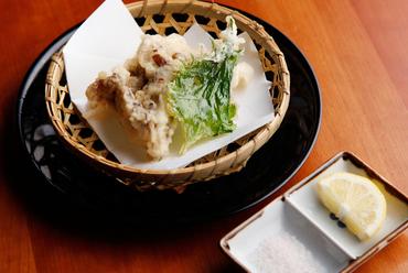 旬の野菜をさっくりとあげた、京のおばんざい『天ぷら』