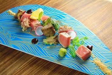 お肉のような食べ応えがある逸品『名物! マグロ藁焼き』