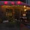 都会の喧騒を忘れさせる静かな街角に佇む、1992年創業の名店