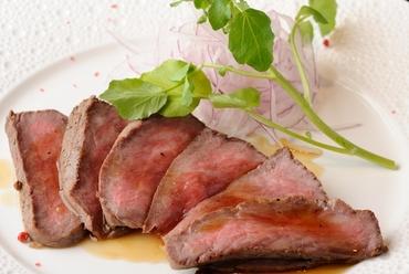 阿波牛のもも肉を使った『ローストビーフ』