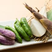 季節の旬菜は、お肉の合間に箸休めにおすすめ『スペシャル焼き野菜盛り』
