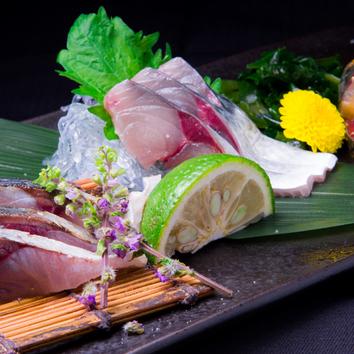 名物モツ鍋,新鮮刺盛,自家製つくね,冬の旬菜旬魚含む飲放付コ-ス