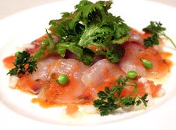みんな大好き、鶏の唐揚げの食べ放題&2時間飲み放題付きのお得なプランとなっております。