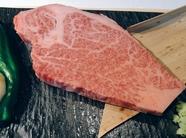 熟成にこだわったお肉を贅沢に味わう『花鳥風月サーロインステーキ』