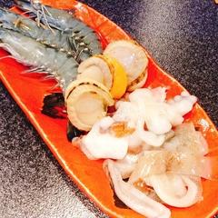ヒトサラ限定の 料理8品のボリューム満点のコース 飲み放題付きで感謝の3500円!