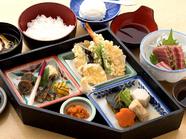 色々な和食を少しずついただける『レディース御膳』デザートがついて女性におすすめ