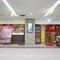 通勤や買い物客でにぎわう駅の地下街「curun高岡」にあります