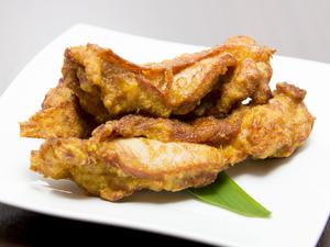 クセになる味『タイ風 鶏のから揚げ イエロー』