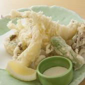 『ゲンゲ天ぷら』は希少な白ゲンゲを使います