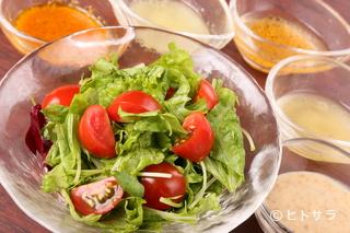 肉菜 公の料理・店内の画像2