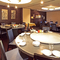 気軽に本格的な中華料理が堪能できる、1階のレストラン席