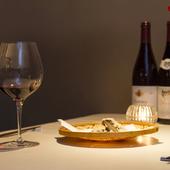 旬の食材を使ったお任せコース。 厳選されたワインとご一緒にどうぞ。