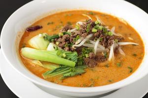 ゴマの香りとピリ辛なスープが絡み合う『坦々麺』