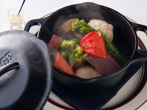 15種類以上の野菜が入った『ゴロゴロ温野菜のポトフ仕立て』