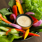 地元の野菜6~7種でつくる『新鮮野菜のバーニャカウダ』