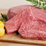 毎朝仕入れる特別な和牛や新鮮な季節の食材をご提供