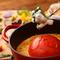 太陽の恵みいっぱいの真っ赤なトマトとチーズがベストマッチ『ヘルシー丸ごとトマトのチーズフォンデュ』